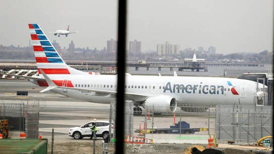 American Airlines offering some fliers option to pre-pay baggage fees