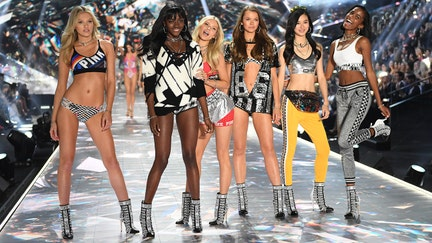 L Brands forecasts a loss, takes $725M write-down on Victoria's Secret