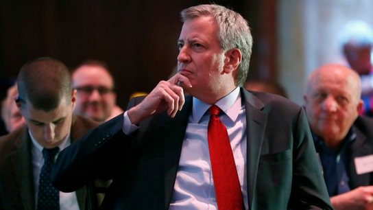 NYC workers donate to Mayor de Blasio's rival presidential hopefuls