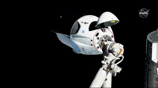 SpaceX: Leaky valve caused Dragon crew capsule to explode in April test