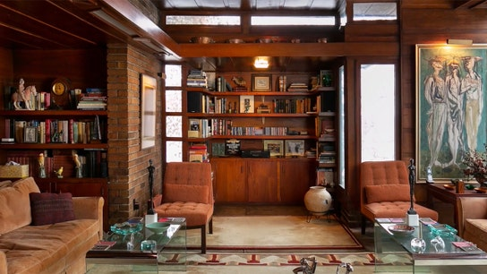 Inside a Frank Lloyd Wright-designed home that's hitting the auction block