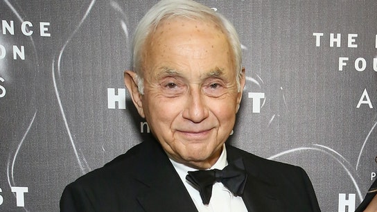 L Brands CEO Les Wexner says he was unaware of Jeffrey Epstein's alleged sex trafficking activity
