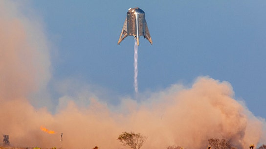 SpaceX successfully tests Starhopper after aborted attempt