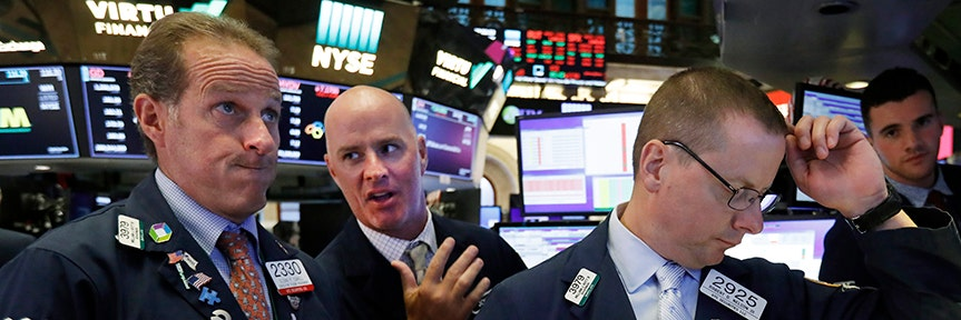 DOW PLUMMETS 800 POINTS ON WORSENING GLOBAL RECESSION FEARS