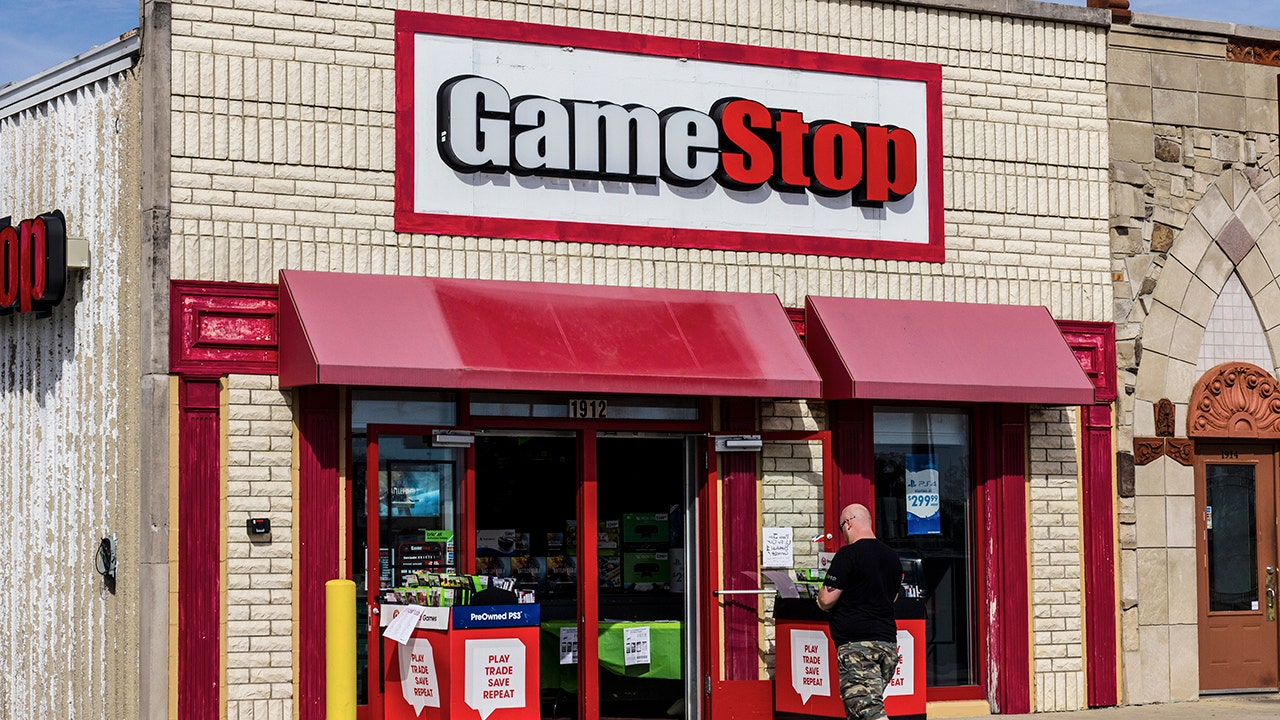 Gamestop Going Out Of Business 2020.Gamestop To Close Up To 200 Stores Globally By 2020 Neogaf