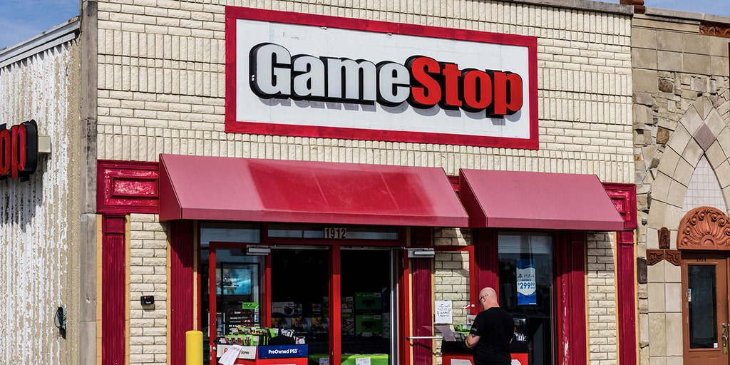 Gamestop To Close Up To 200 Stores By 2020 Fox Business