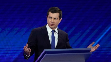 Buttigieg heckled over big-money fundraisers: 'Wall Street Pete'