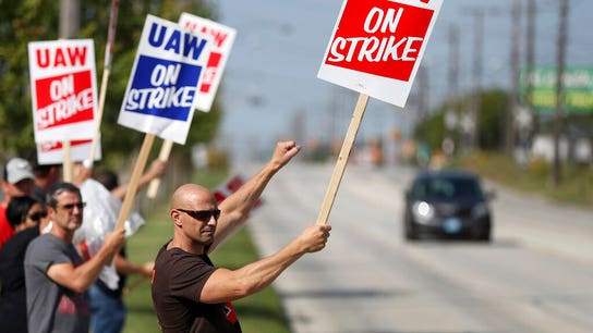 Union protesters arrested at Tennessee GM plant