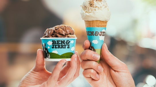 Ben & Jerry's co-founders scoop up pro-Bernie Sanders sweets at NH stump stop