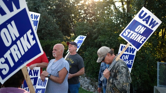 GM promises 5,400 jobs and $7 billion in an offer to end strike with UAW