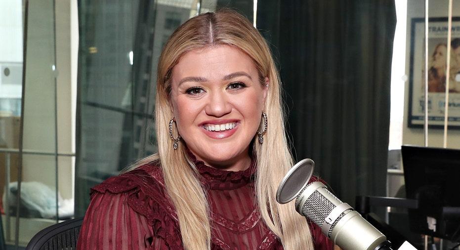 Kelly Clarkson announces Vegas residency starting in April