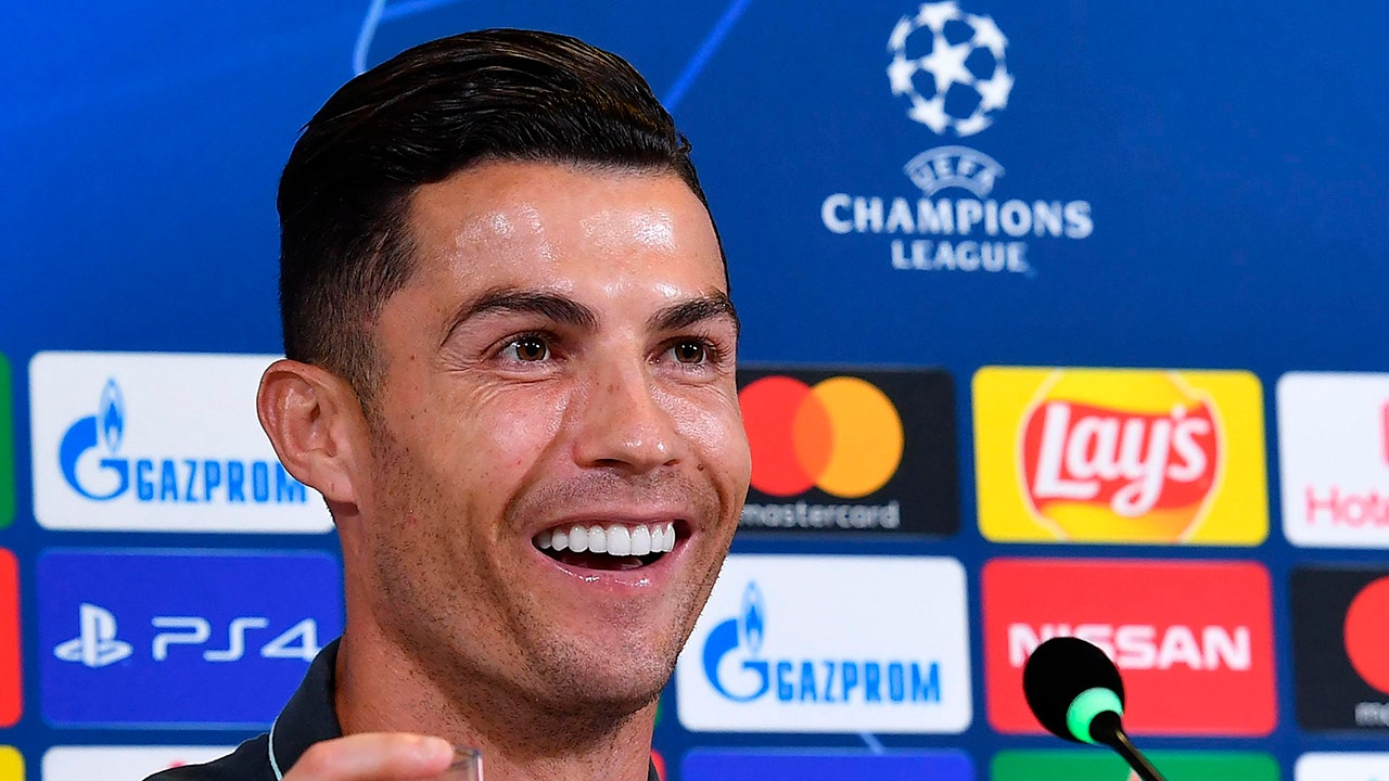 Cristiano Ronaldo Makes Staggering Amount Of Money From Instagram Report Fox Business