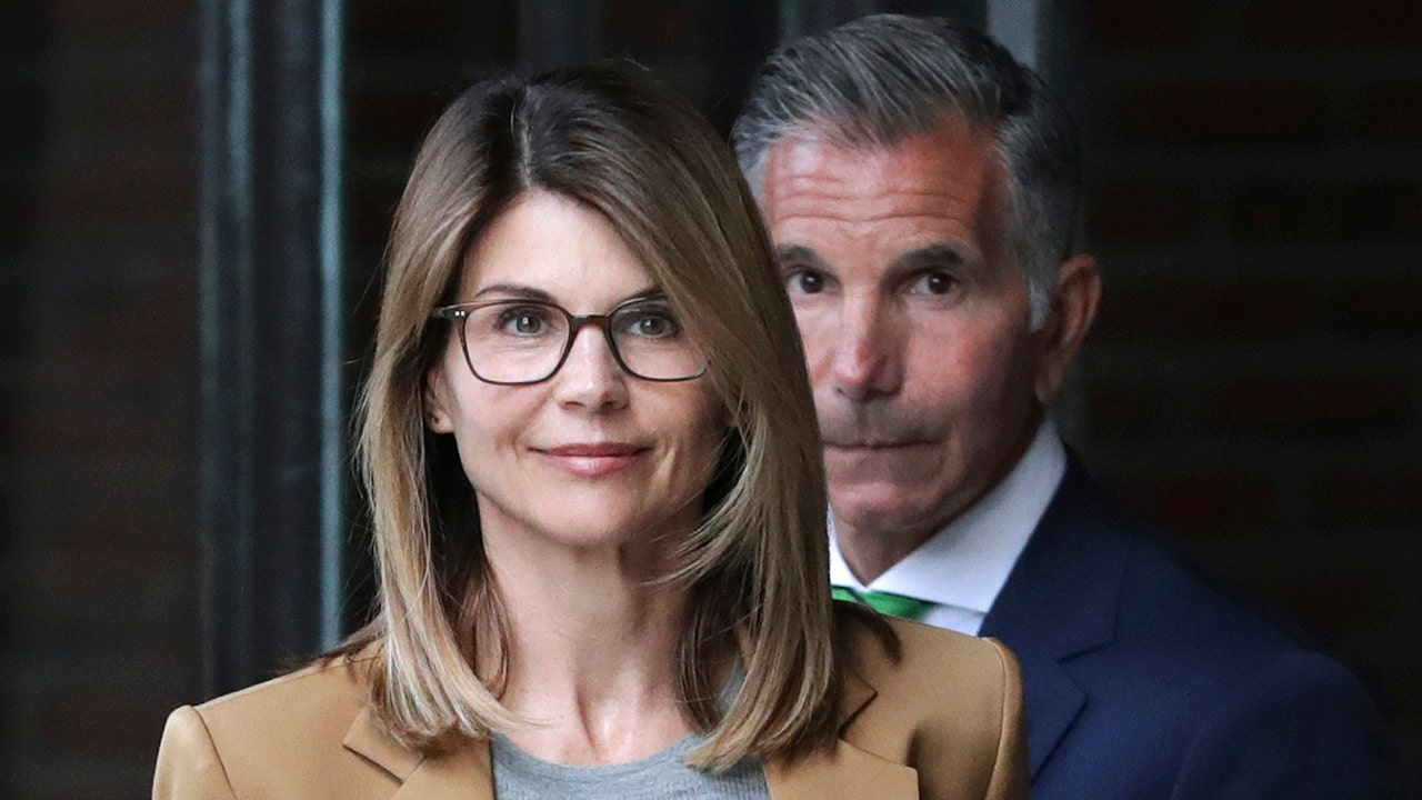 'Too late' for Lori Loughlin to change not guilty plea: Judge Napolitano