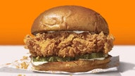 Popeyes' chicken sandwich returns to enthusiastic fans