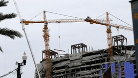 New Orleans to explode huge unstable cranes ahead of storm