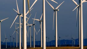 Clean energy investment hits record amid rush to grab tax credit