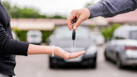 Edmunds: The worst financial mistake a car buyer can make