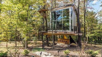 Climb inside Antonio Brown's treehouse