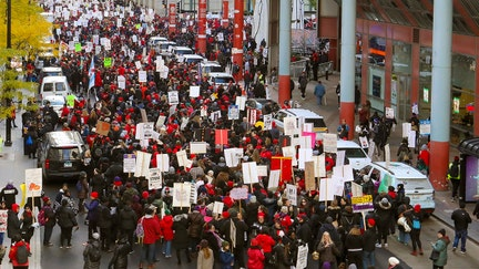 Chicago teachers, school system back to negotiating as strike hits day 11