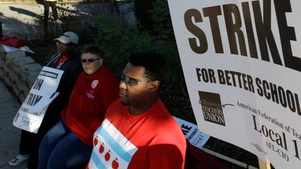 Chicago Teachers Union tells mayor to 'do the right thing' with just days left before strike