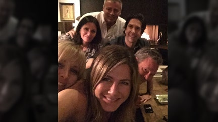 Jennifer Aniston finds too many new friends and breaks Instagram