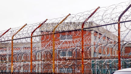 NYC should turn Rikers into homeless shelters with $8B: Former police commissioner