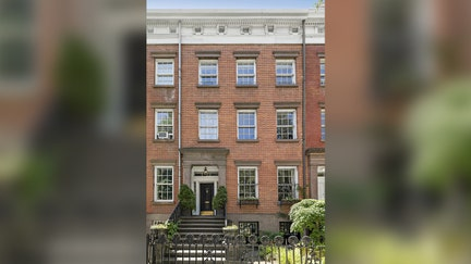 Elaine's 'Seinfeld' NYC townhouse listed for $8.6M: A look inside