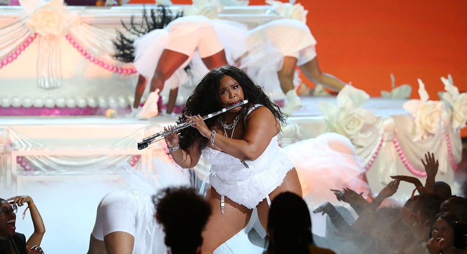 Lizzo S Truth Hurts Faces Plagiarism Allegations Over Dna Test
