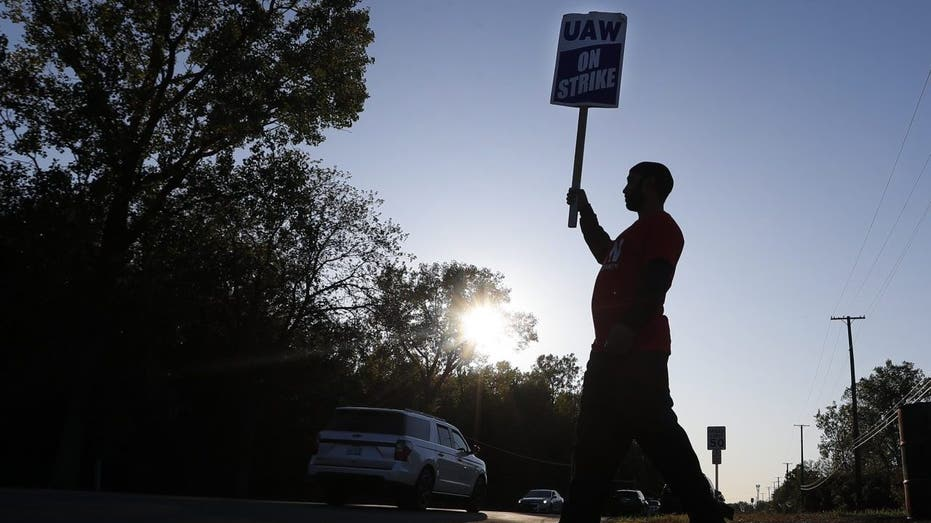 UAW, GM reach tentative agreement after weeks of striking
