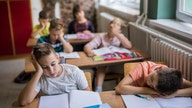 Don't tell the kids: This bill would keep them at school even longer