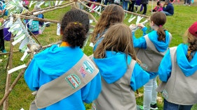 Girl Scouts reminding parents: Your daughters don't have to hug anyone