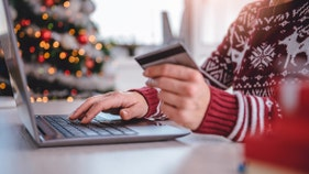 Holiday shopping? Credit cards can put cash back in your pocket, expert says