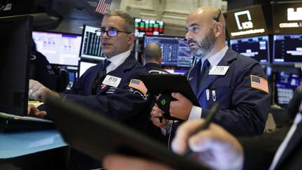 Dow tops 28,000 as US, China trade deal comes together