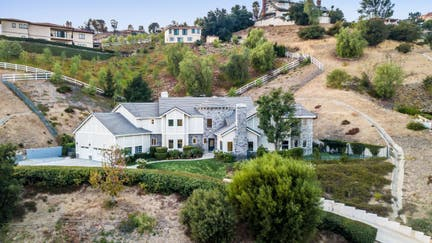 Shaquille O'Neil selling his $2.5M California home. Take a look inside.