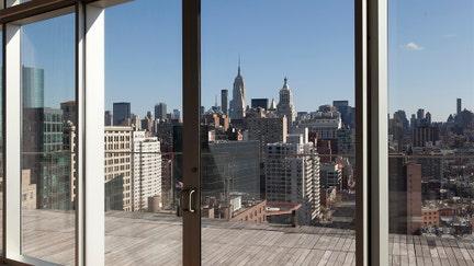 New York City tax exodus changes money flow into luxury housing market