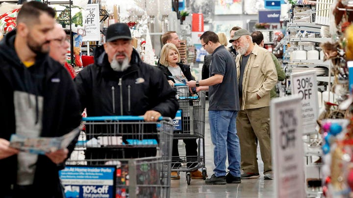 Holiday shoppers expected to hit record