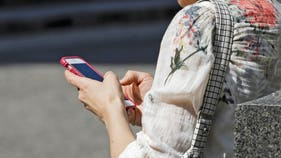 Cellphones are sending more people to emergency rooms, scary study reveals