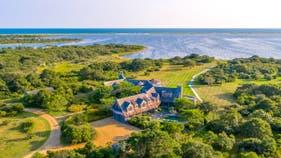 Obamas buy $11.75M Martha's Vineyard home. Take a look inside.