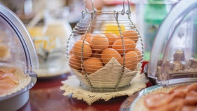 CDC telling people to throw out certain eggs amid string of food poisonings