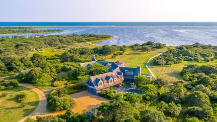 Obamas buy $11.75M Martha's Vineyard vacation home. Take a look inside.