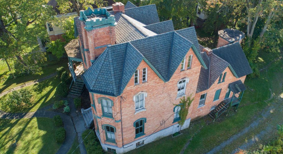 This 10 Bedroom New York Mansion Costs Just 50k But There S A Catch Fox Business
