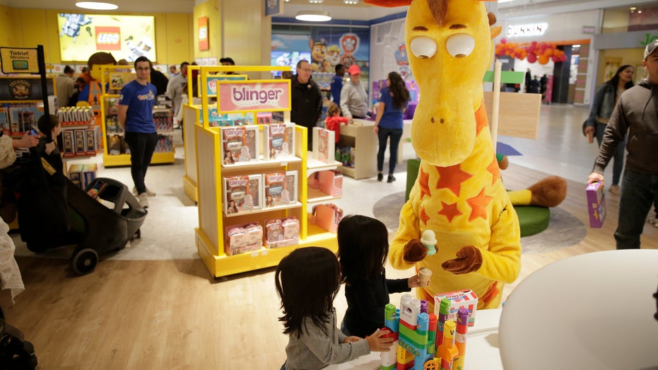 Cent Rents Out Toys 'R' Us For Son's Private Christmas Shopping Spree