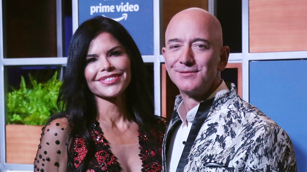 Jeff Bezos mingles with Hollywood elite to create celebrity life: Report