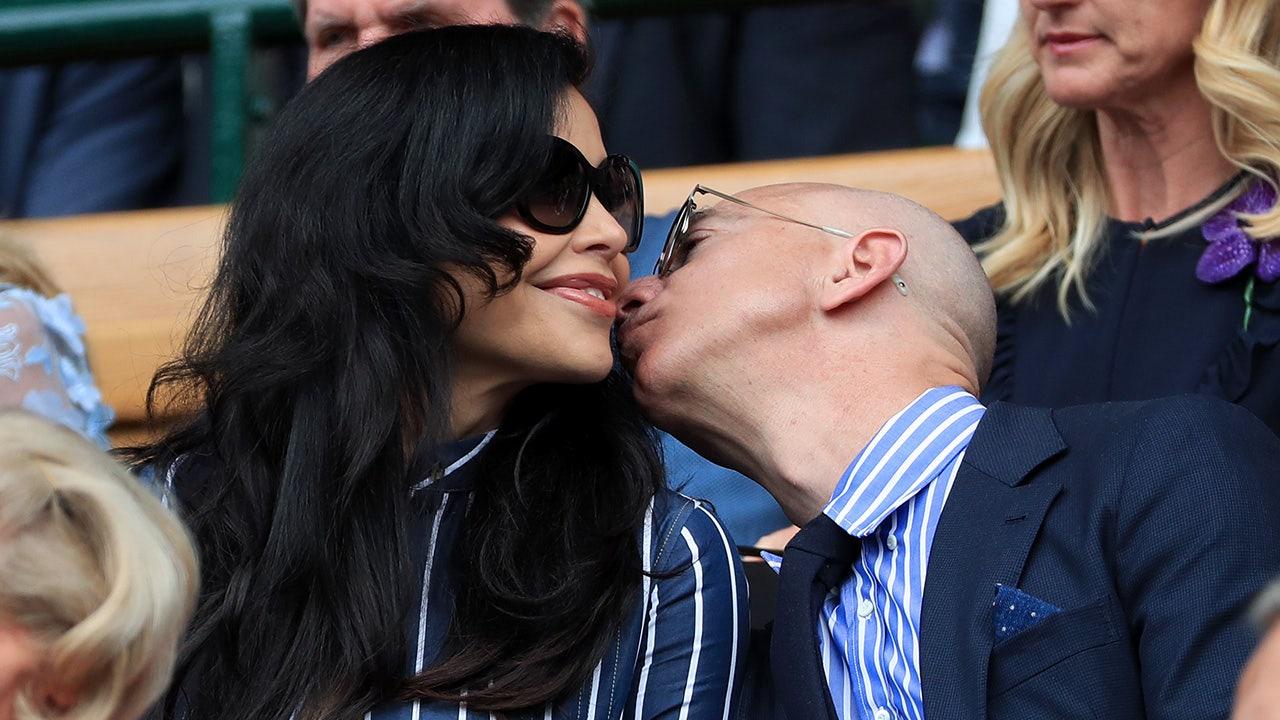 Jeff Bezos, Lauren Sanchez At New York Hot Spots Amid -6015