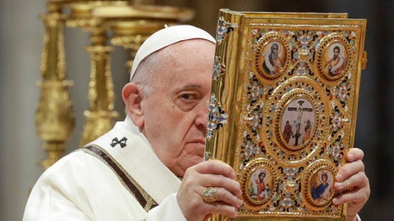 """Pope: Reject """"god of money,"""" focus on serving others"""