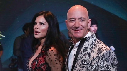 Amazon CEO Jeff Bezos hangs out with Bollywood stars during India trip