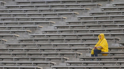 Why low NCAA football bowl game attendance isn't a financial fumble
