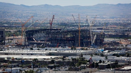Las Vegas Raiders stadium roof construction months behind schedule