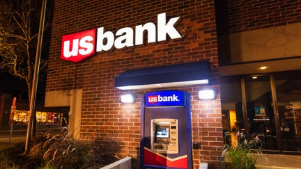 US Bank employee says she was fired for giving $20 to struggling customer