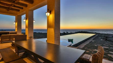 Malibu mansion where celebs like Drake stay listed for $19M